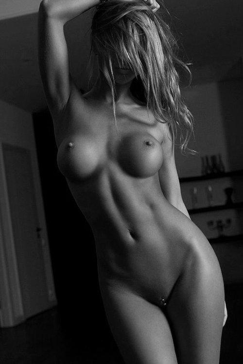 голые телки в теле фото