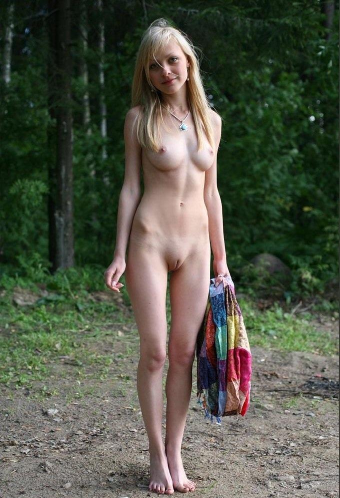 Нудистки молодые фото