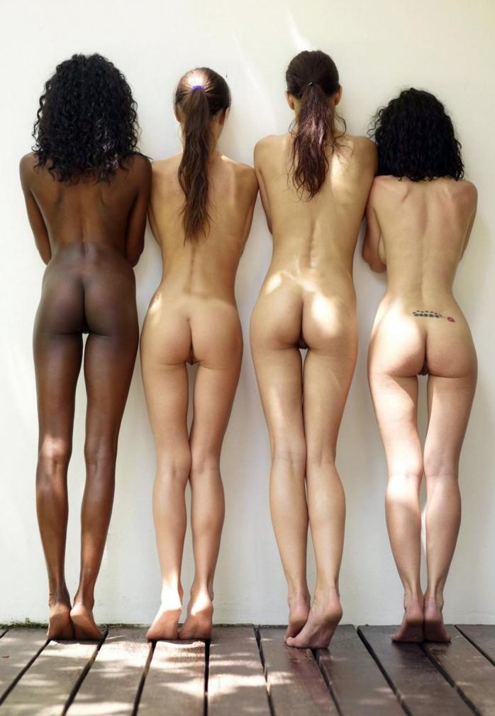 фото сексуалных голых попочек