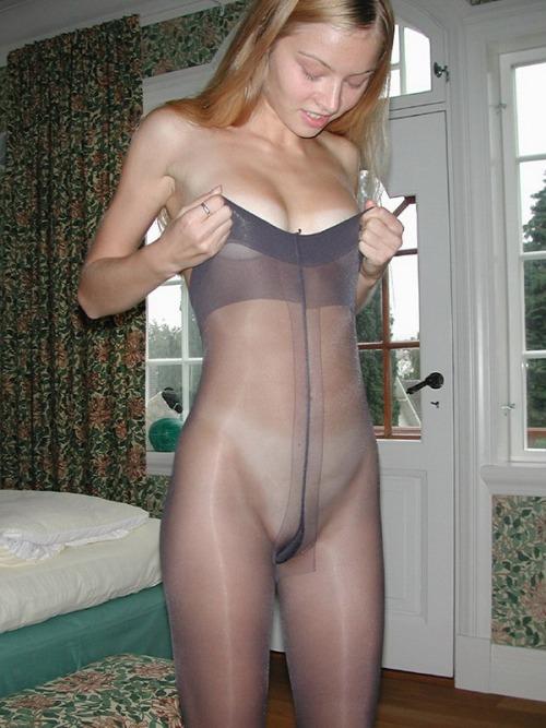 Женщины фото в колготках голые