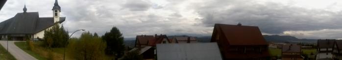 mój widok z okna:) szkoda że chmurki są bo tak były by Tatry widoczne:)