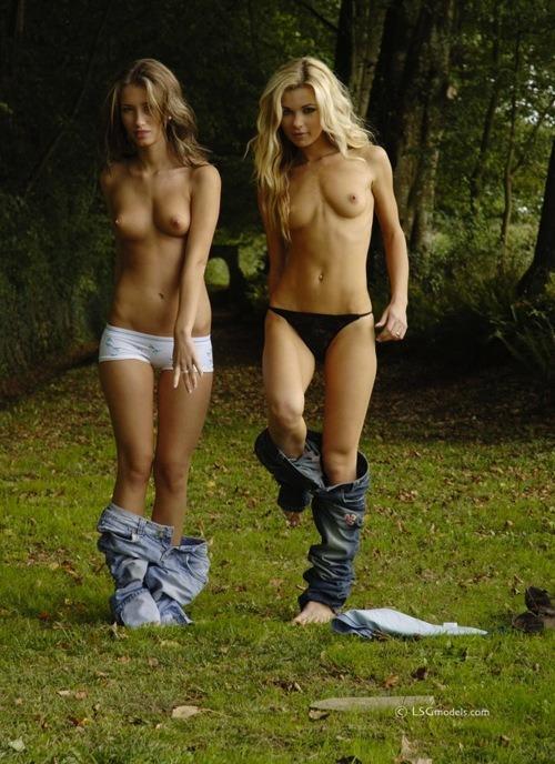 голые подружки фото