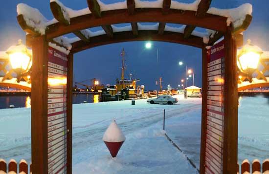 Port Ustka zimą 2013