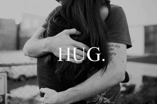 HUG ;c