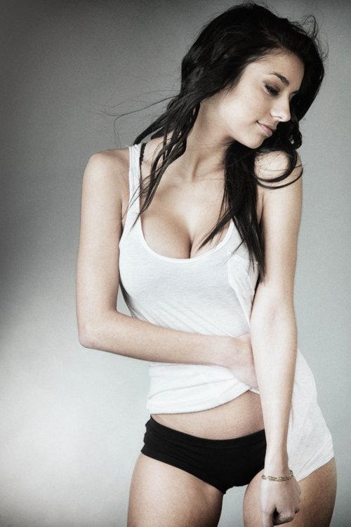 груди молоденьких девушек фото голые