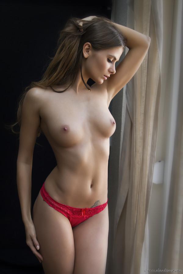 molodie-seksualochki-foto-devushki-predmeti