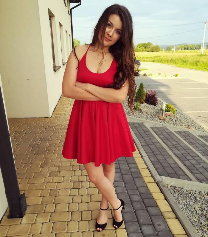 https://www.instagram.com/ewela1725/